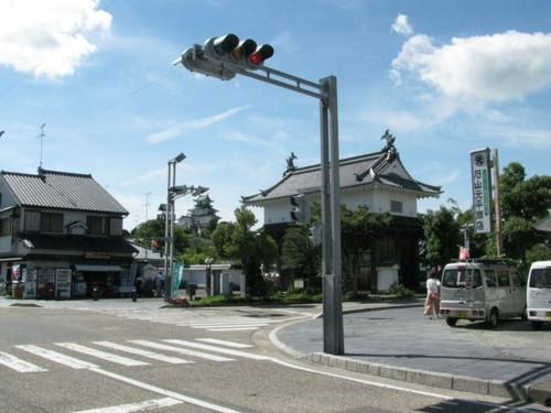 掛川城:駐車場付近からの天守閣