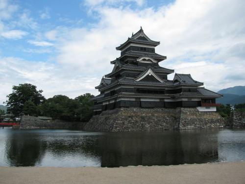 松本城:天守と辰巳附櫓、月見櫓