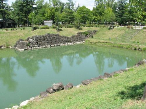 駿府城の本丸堀跡