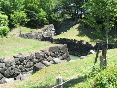 駿府城の二の丸堀への水路