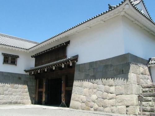 駿府城東御門の櫓門
